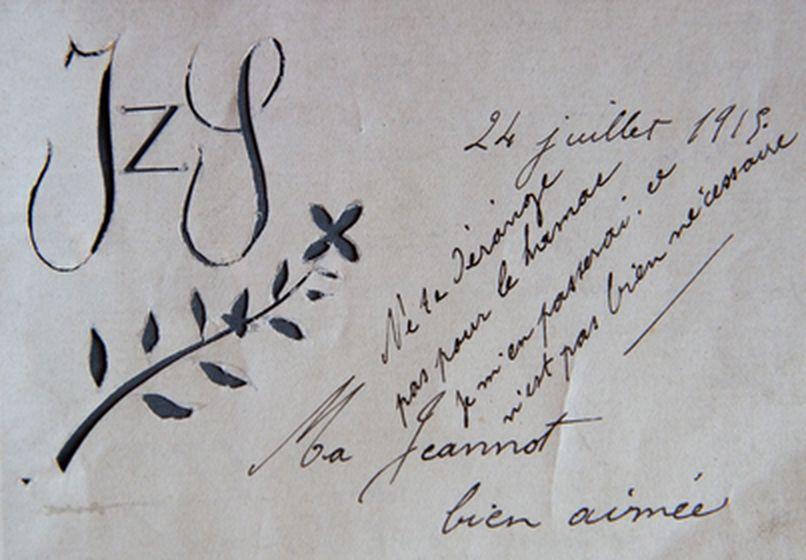Simon décore ses lettres