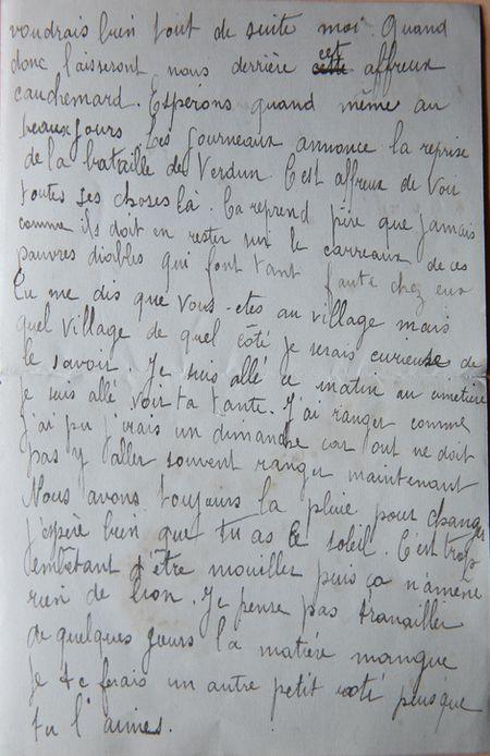 Les journaux  annonce la reprise de la bataille de Verdun.